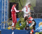 The winners of Formula 1 on Water swam in sparkling wine